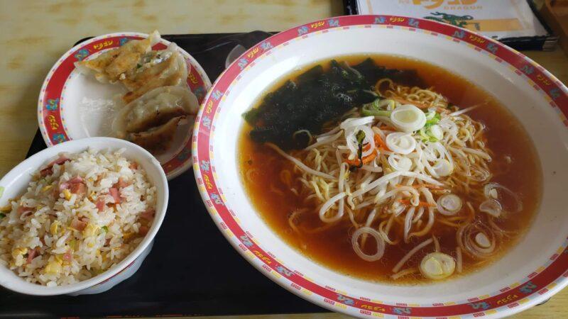 中華食堂ドラゴンAセット(ラーメン醤油味・餃子)600円+半炒飯250円